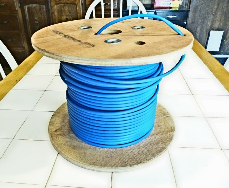 Cable  New  Crestron  DM-CBL-8G-P-SP500  Plenum 500/'//ft//foot//feet Spool Qty 1